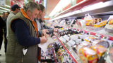 French supermarkets must now donate unsold food to charity