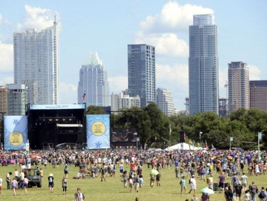 Willie Nelson, Mavis Staples to Perform at ACL Hall of