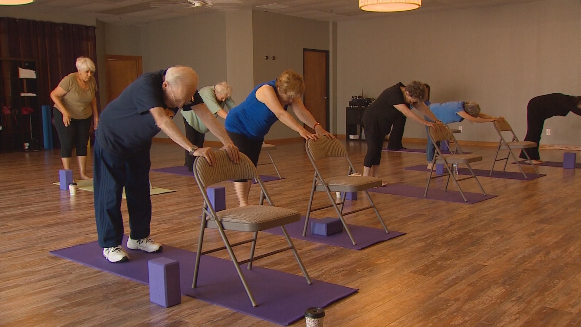 Chair yoga elderly - Chair Yoga Elderly 8