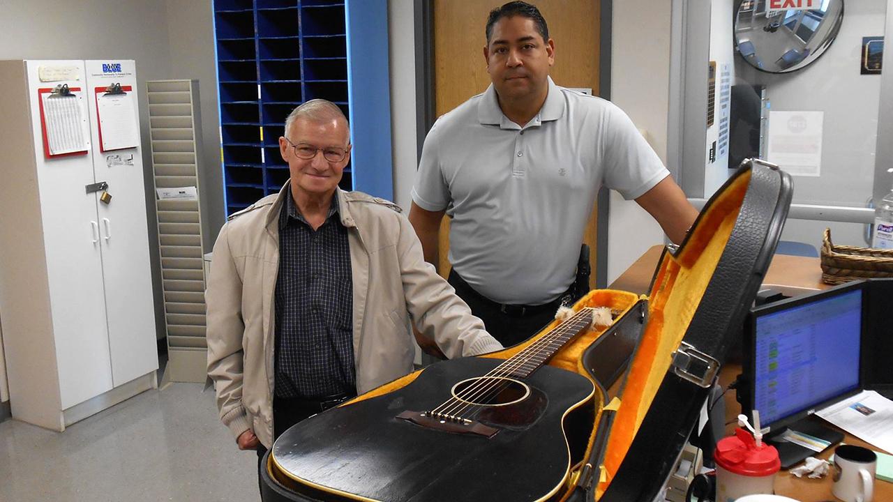 fort worth police track down stolen guitar to ireland. Black Bedroom Furniture Sets. Home Design Ideas